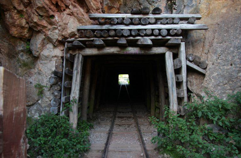 O Ministério do Ambiente alocou 10 milhões de euros para a limpeza dos resíduos perigosos nas antigas minas de S. Pedro da Cova, em Gondomar.