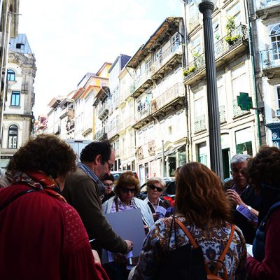 O percurso pelas capelas do centro histórico do Porto começou no Largo de São Domingos. Foto: Beatriz Carneiro
