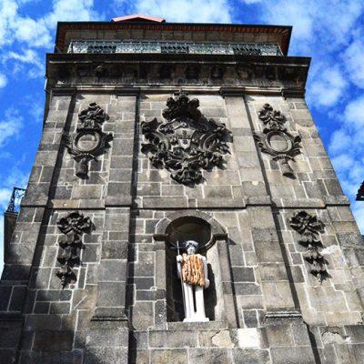 A propósito da Imagem de São João, santo icónico na cidade, o guia relembrou o verdadeiro padroeiro da Invicta: a Nossa Senhora da Vandoma. Foto: Inês Viana