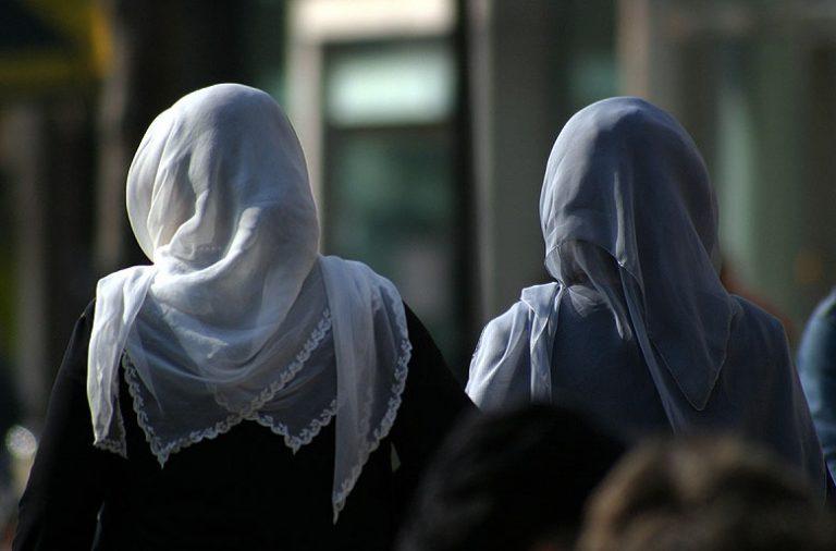 As restrições ao vestuário islâmico estão a surgir um pouco por toda a Europa.