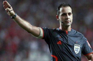 Duarte Gomes foi árbitro internacional. Abandonou a carreira em 2016.