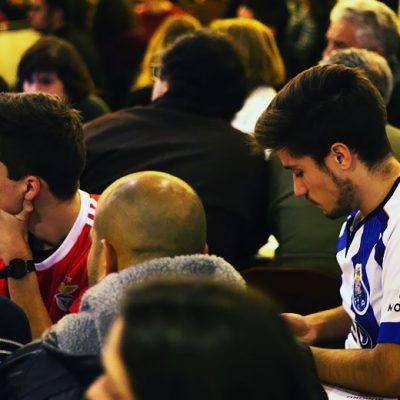 O fairplay em jogo decisivo para o campeonato. Foto: Hugo Moreira