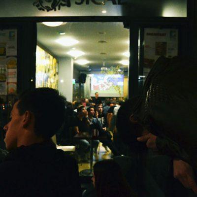 Perto do final do jogo, o empate alimenta o desespero. Foto: Mafalda Maria Rodrigues