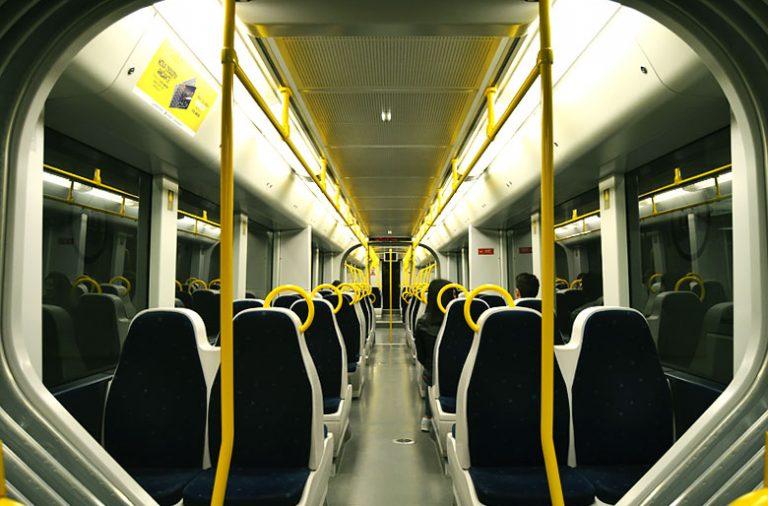 O metro não parou de circular, mas mais vazio do que o habitual.