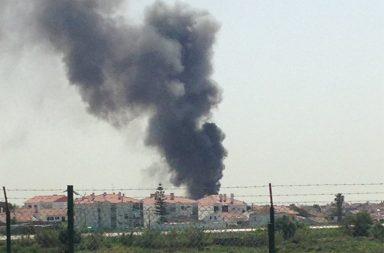 A avioneta despenhou-se perto do supermercado Lidl, em Tires, e provocou cinco mortos.