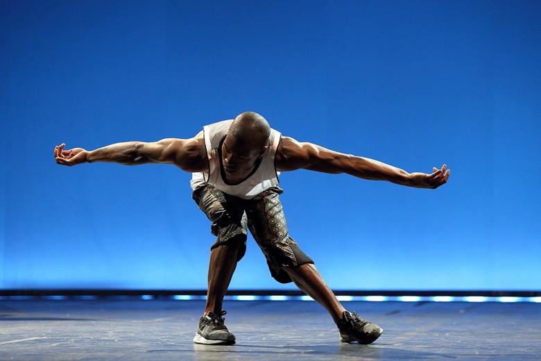 """""""Muros"""" é o espetáculo de abertura do Festival DDD, coreografado por Né Barros, uma referência da dança portuguesa."""