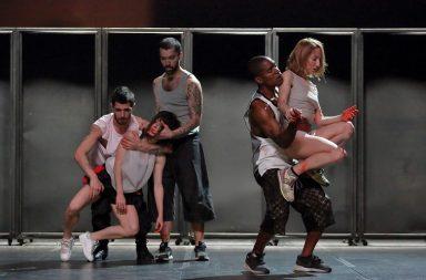 """Né Barros, um dos nomes mais importantes da dança portuguesa, apresenta o espetáculo """"Muros""""."""
