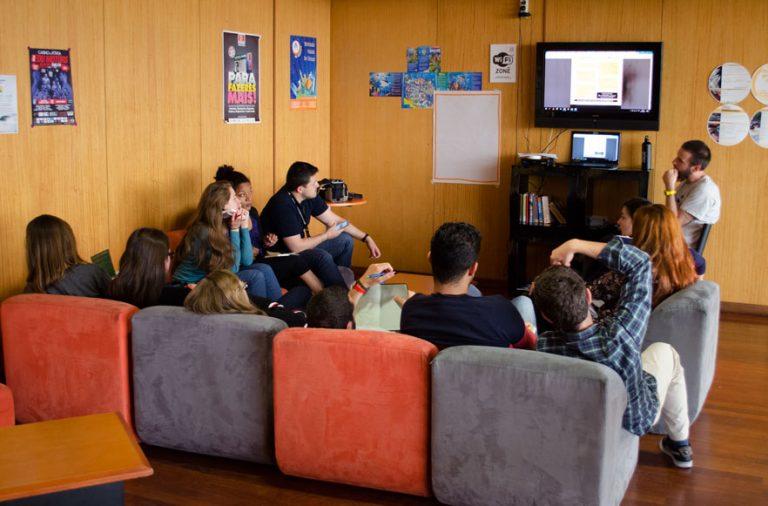 A ação de formação reune jovens de vários países da Europa.