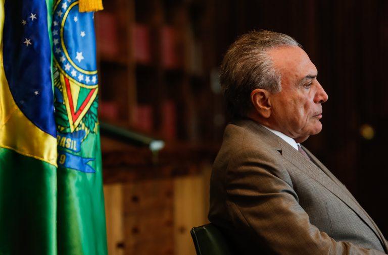 Michel Temer no centro de nova convulsão no Brasil.