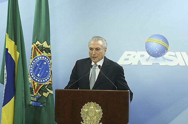 Michel Temer na declaração pública que declarou que se vai manter em funções.