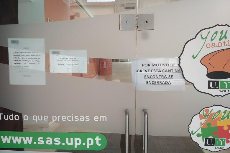 A cantina de Direito esteve fechada durante esta sexta-feira.