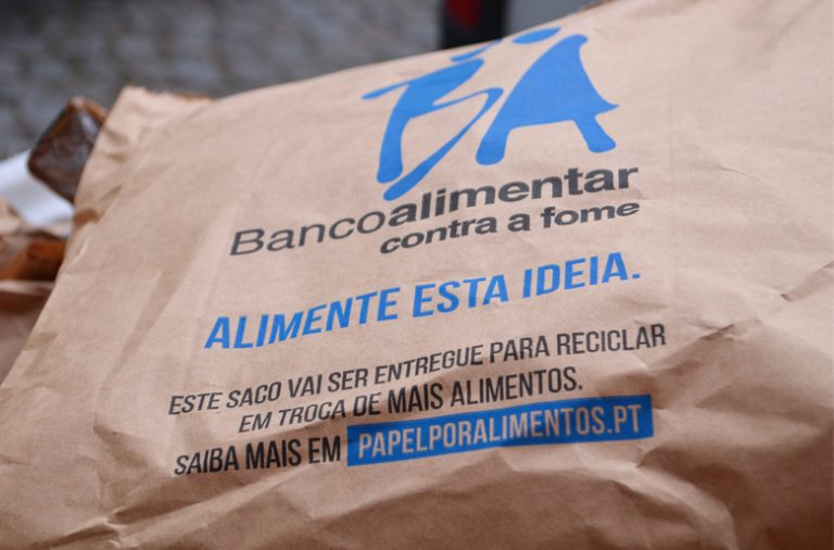 Campanha do Banco Alimentar do Porto no armazém de Perafita