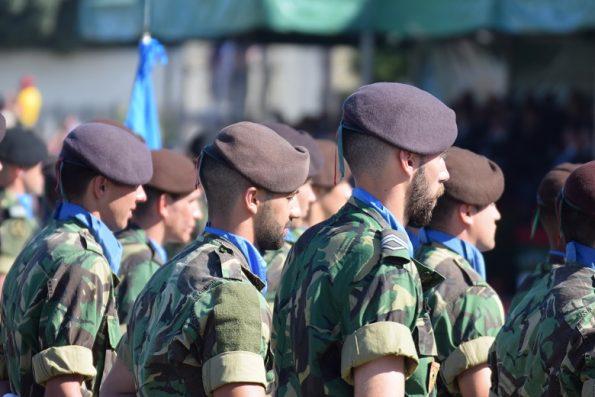 Um total de 1460 militares estiveram em parada durante toda a manhã de 10 de junho.