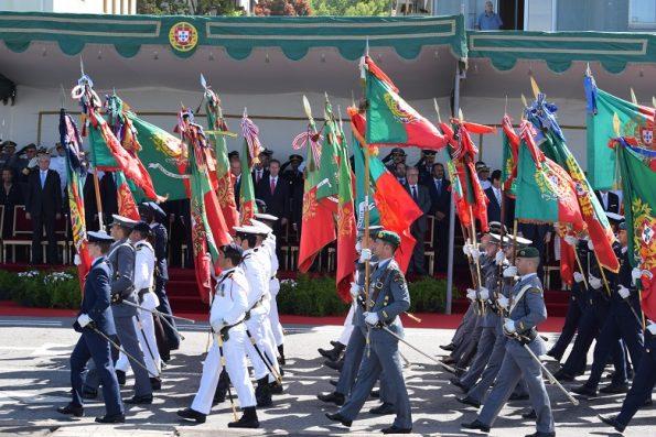 O Bloco de Estandartes Nacionais encabeçou o desfile.