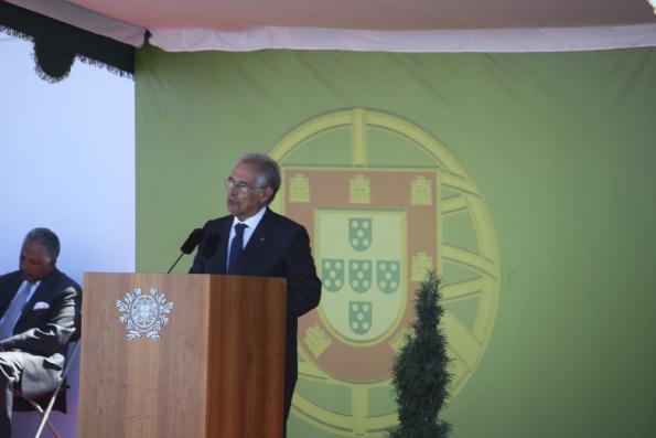 O médico e cientista Sobrinho Simões, presidente da Comissão Organizadora das comemorações, durante o discurso que antecedeu a intervenção do presidente da República.