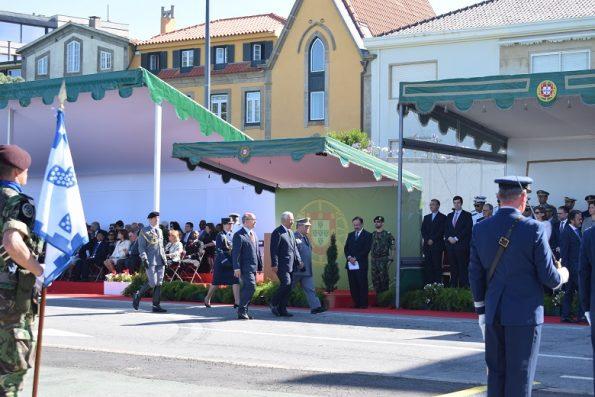 António Costa à chegada ao Molhe, dirigindo-se para o seu lugar na tribuna, na fila da frente.