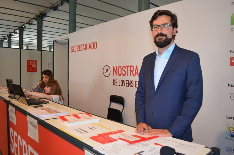 Ricardo Carvalho, presidente executivo da Fundação da Juventude, no secretariado da Mostra Nacional de Jovens Empreendedores.