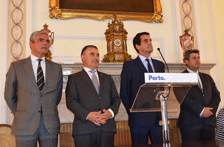 Miguel Pereira Leite, da Assembleia Municipal, Emídio Sousa da AMP, Rui Moreira e Eurico Castro Alves.