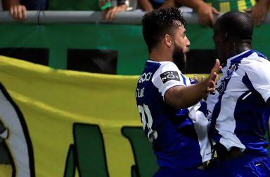 Festejo do golo que deu os três pontos ao FC Porto.