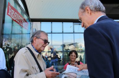 Francisco Louçã esteve no Porto esta manhã em campanha pelo Bloco de Esquerda.