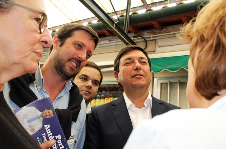 Álvaro Almeida acompanhado de Tiago Fonseca.