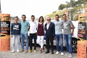 Sara Moreira, ao centro, vai regressar no Porto à competição.