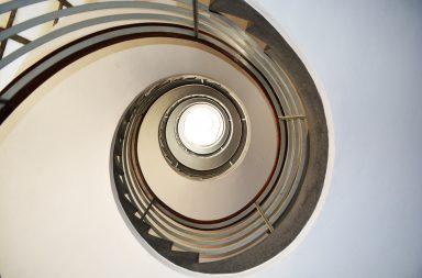 A escadaria interior é um dos elementos mais bonitos do Bloco da Carvalhosa.