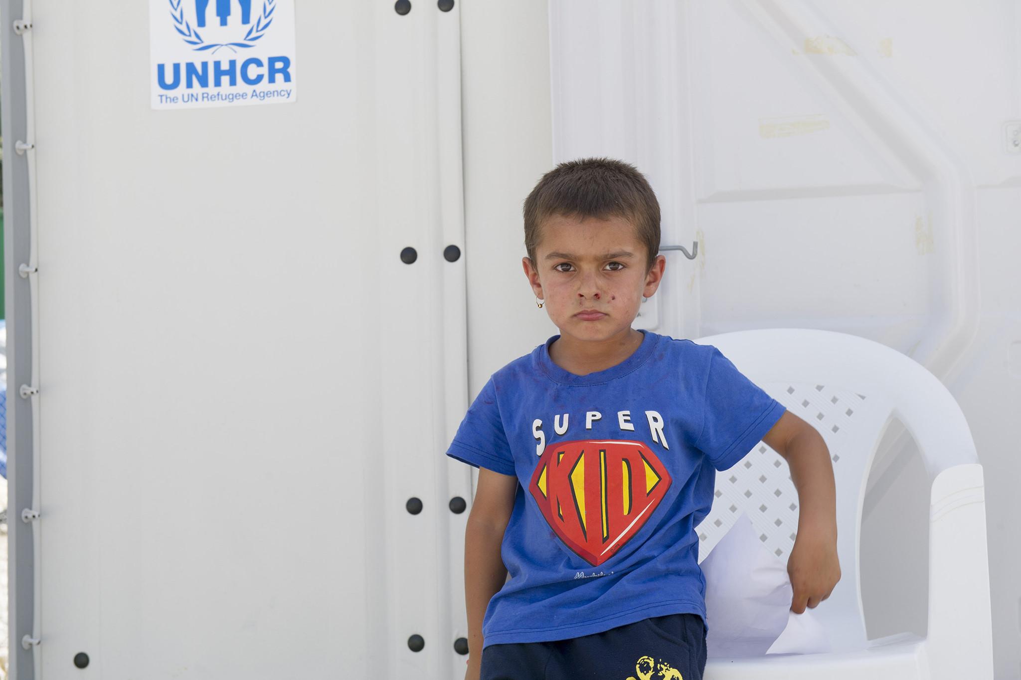 Uma das centenas de crianças de Kara Tepe.