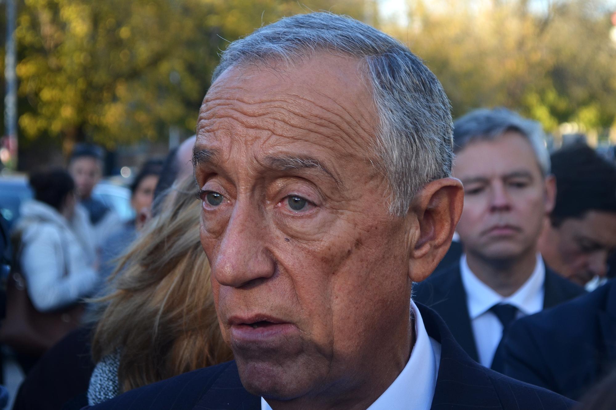 Marcelo Rebelo de Sousa falou à chegada à ESS com os técnicos em protesto.