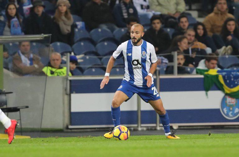 André André bisou frente à antiga equipa. Foto  FC Porto 1e08e7da3ff7a