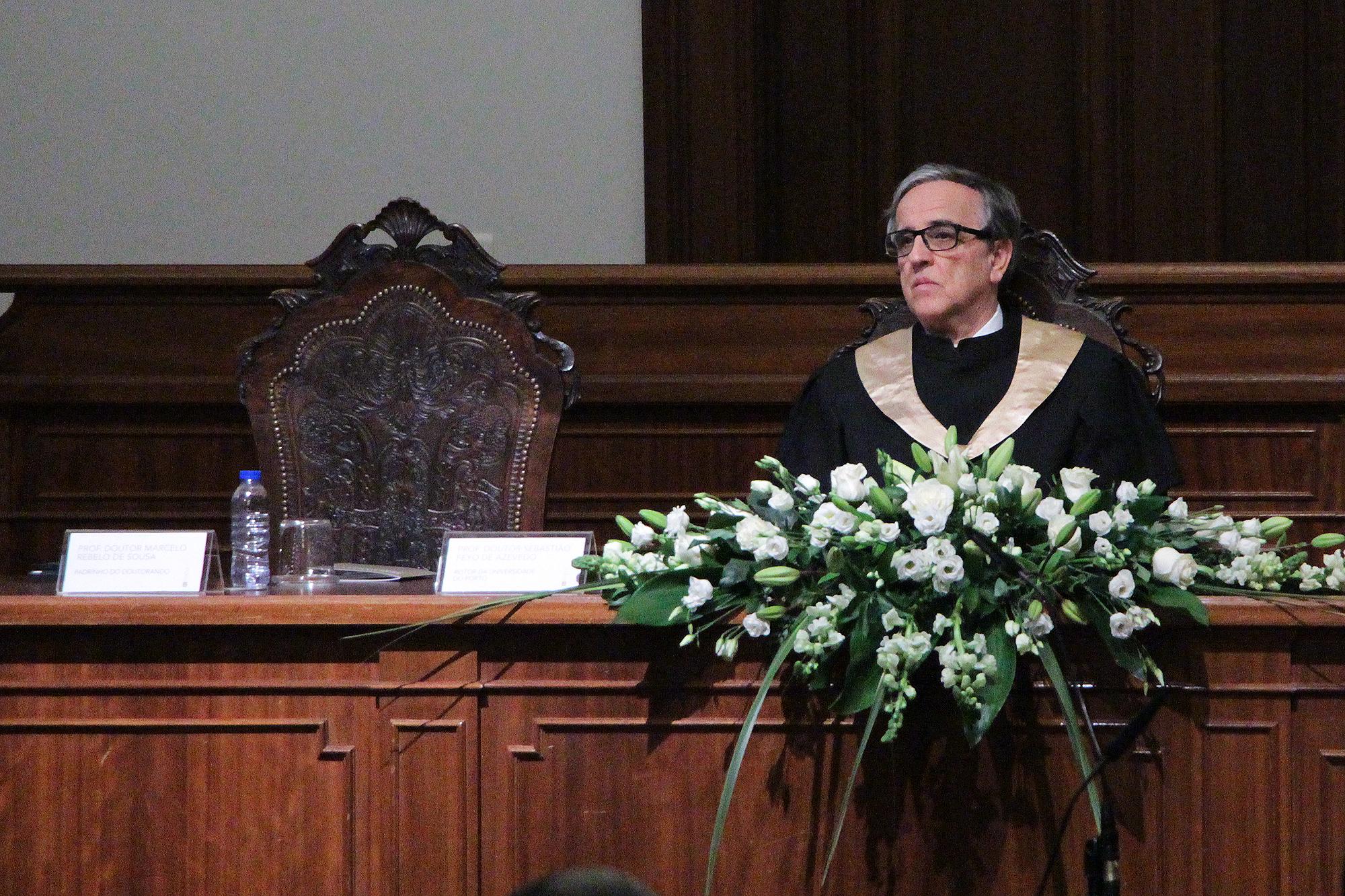 Sebastião Feyo de Azevedo presidiu esta manhã a uma sessão de doutoramento honoris causa.