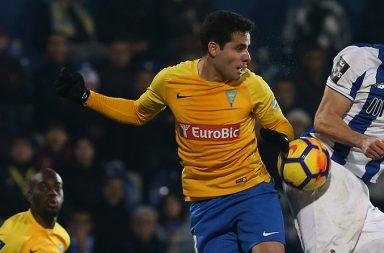 O Estoril vencia o FC Porto ao intervalo por 1-0.