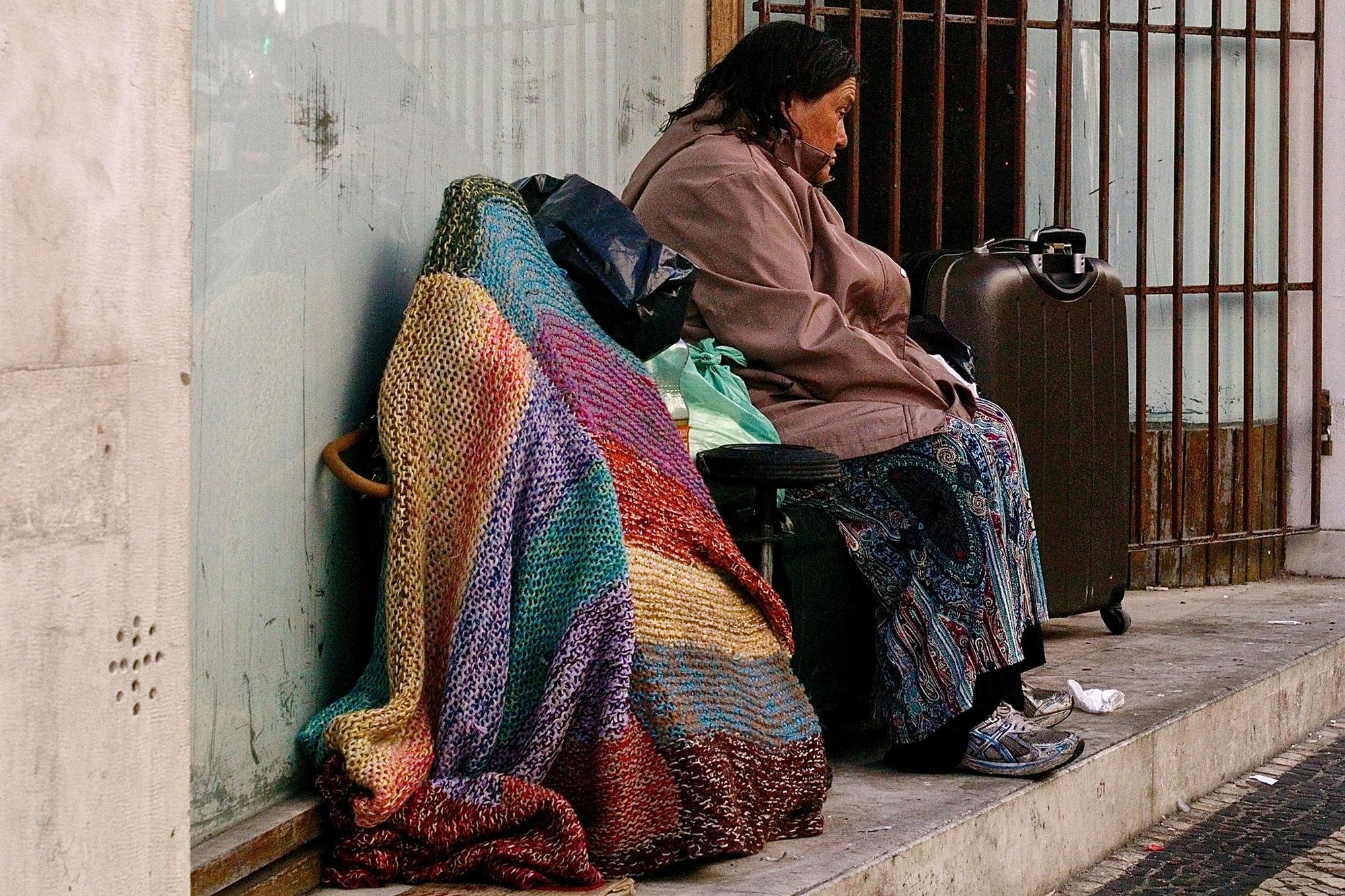 Há várias dezenas de pessoas a viver na rua em Portugal, sobretudo nas cidades de Lisboa e do Porto.