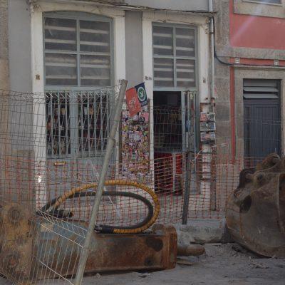 Entrada da Tabacaria Timóteo na Rua do Bonjardim.