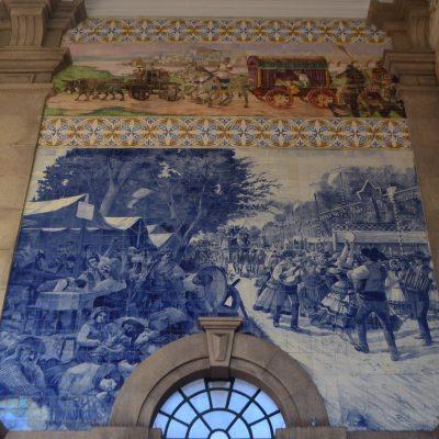 Representação do painel Romaria de São Torcato.
