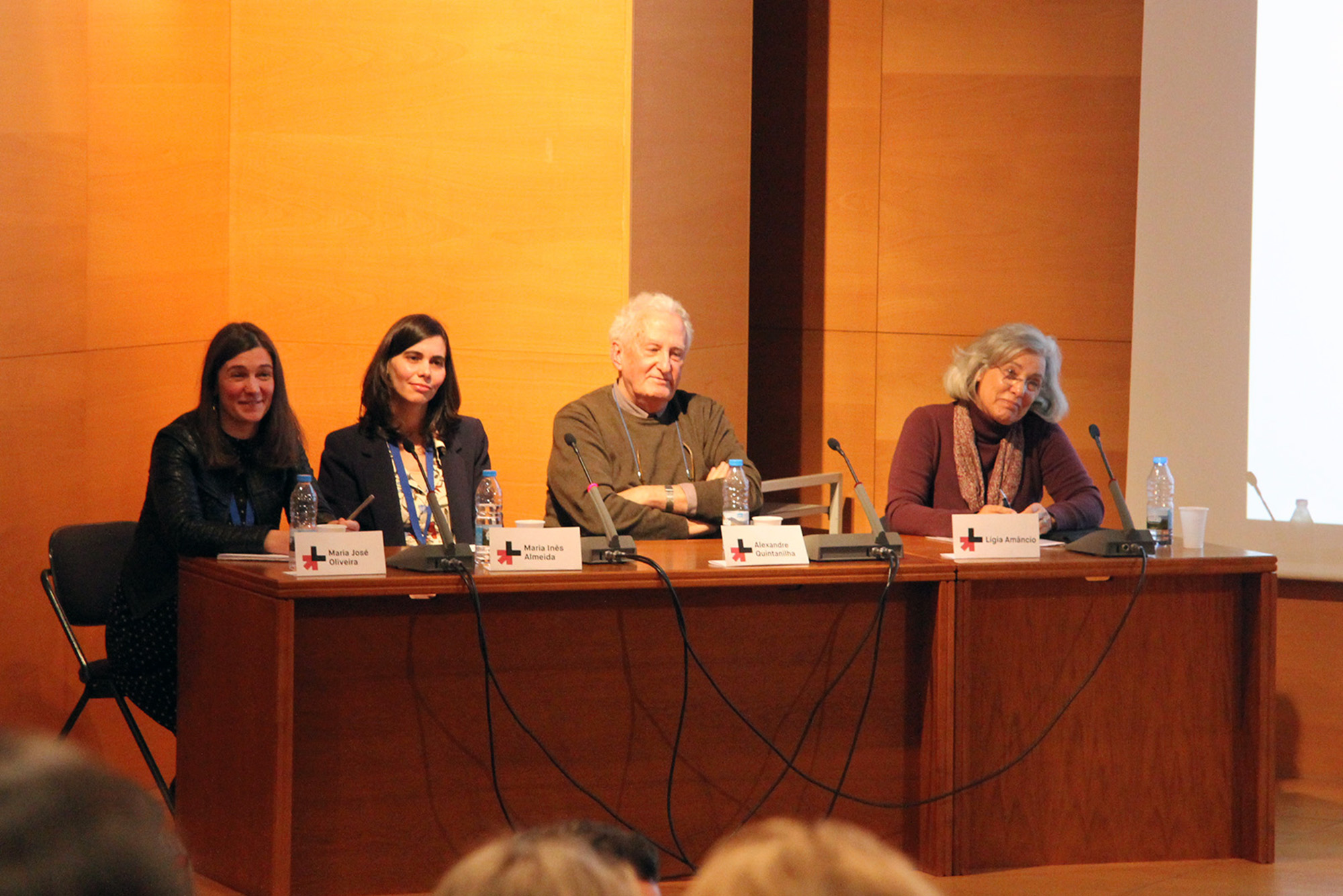 O painel de oradores incluiu Lígia Amâncio, Alexandre Quintanilha, Maria Inês Almeida e Maria José Oliveira.