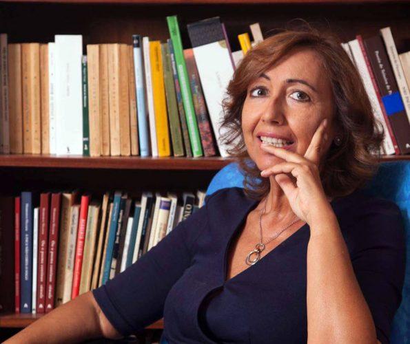 Julieta Monginho, para além de escritora, é Procuradora da República. Foto: Facebook de Julieta Monginho