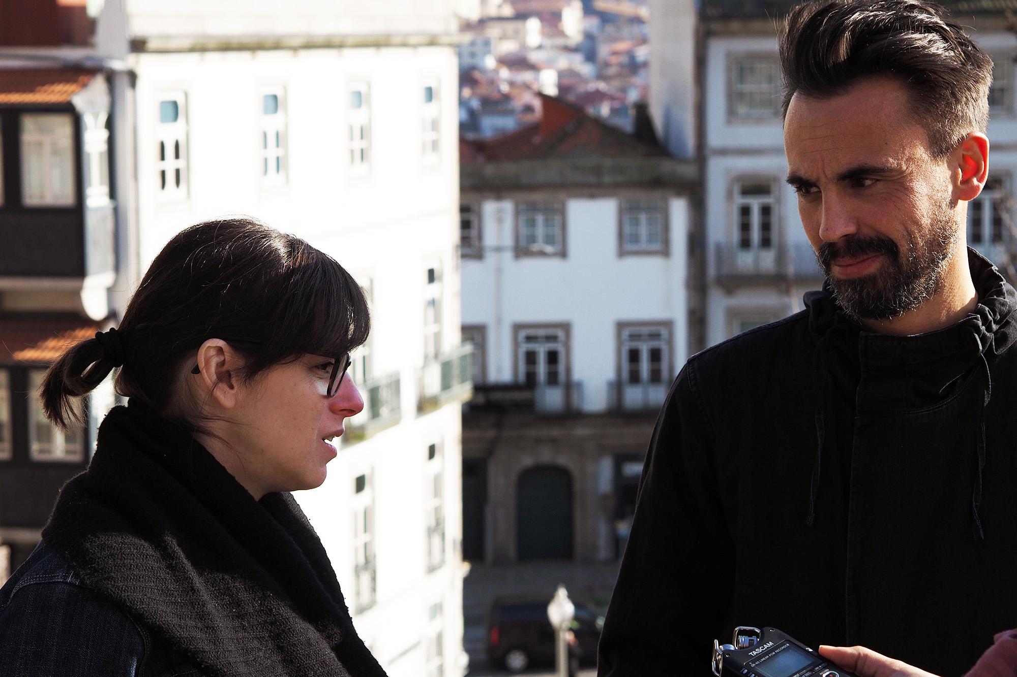 Cláudia, baixista, e André, guitarrista dos Linda Martini à conversa com o JPN