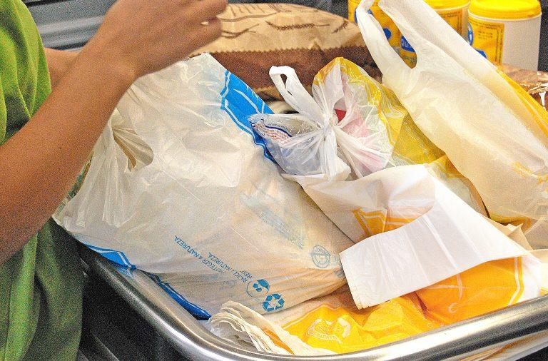 Há uma maior preocupação por parte dos portugueses em usar sacos reutilizáveis.