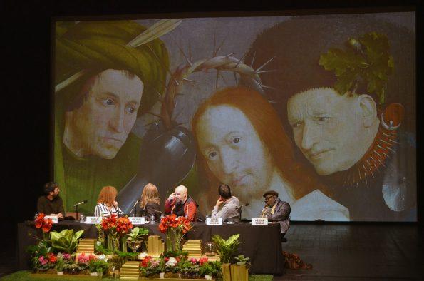 """""""Eu acho que este é um quadro sobre a dor"""", disse Afonso Cruz, sobre a pintura de Hieronymus Bosch. Foto: Catarina Vasconcelos"""