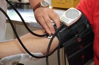 Das 10h30 às 19h qualquer pessoa pode, gratuitamente, medir a tensão arterial e glicémia na estação da Trindade.