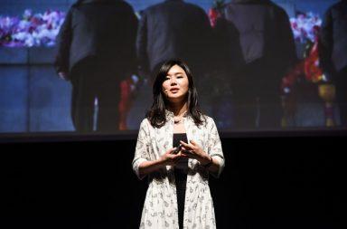 Hyeonseo Lee fugiu da Coreia do Norte para a China com 17 anos e esteve escondida até receber a confirmação do pedido de asilo na Coreia do Sul.