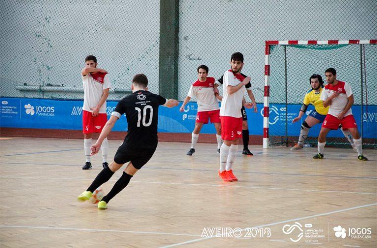 A Associação Académica de Coimbra está de regresso à final de futsal masculino. A AEFEP, vencedora do ano passado, não chegou aos jogos decisivos.