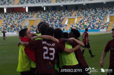 Incidente com árbitros marcou a final de futebol masculino nas fases finais dos Campeonatos Nacionais Universitários.