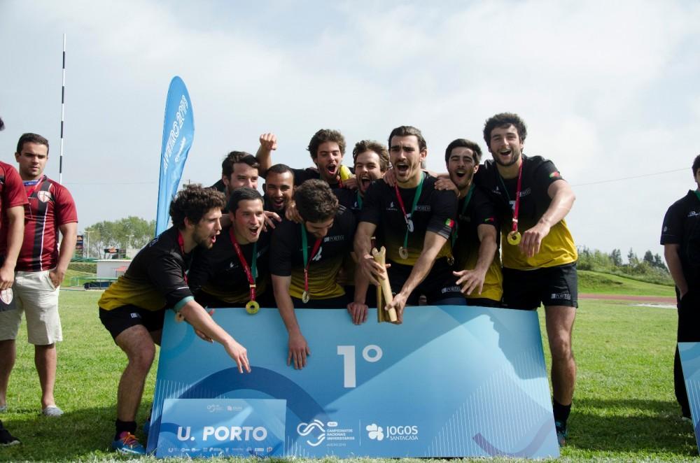 A equipa de rugby 7 masculina da U.Porto sagrou-se campeã nacional nas fases finais dos Campeonatos Nacionais Universitários.