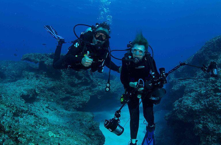 Sylvia Earle foi a primeira mulher a fazer exploração marinha.
