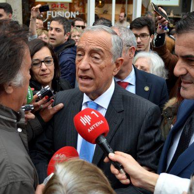 Jorge Novo, um dos lesados do BES, interpelou Marcelo Rebelo de Sousa, que garantiu que ia fazer o possível pelo grupo lesado.