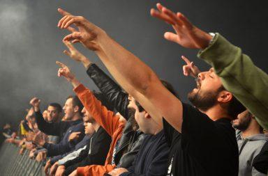 Público vibrou ao som da eletrónica na noite de quinta-feira da Queima das Fitas do Porto.