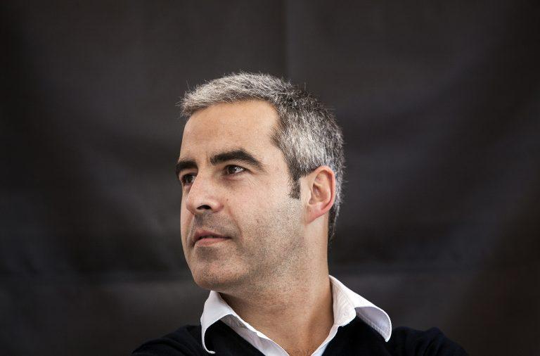 Bernardo Pires de Lima fez 54 viagens de avião, quatro de comboio e duas de autocarro para percorrer as 28 capitais europeias.