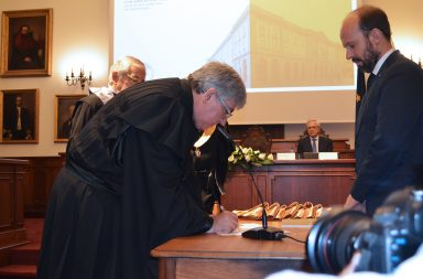 António Sousa Pereira é o 20º Reitor da história da Universidade do Porto.